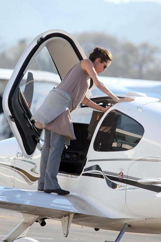 Tom Cruise, Chương Tử Di cùng dàn sao gây choáng vì sở hữu máy bay trăm tỉ