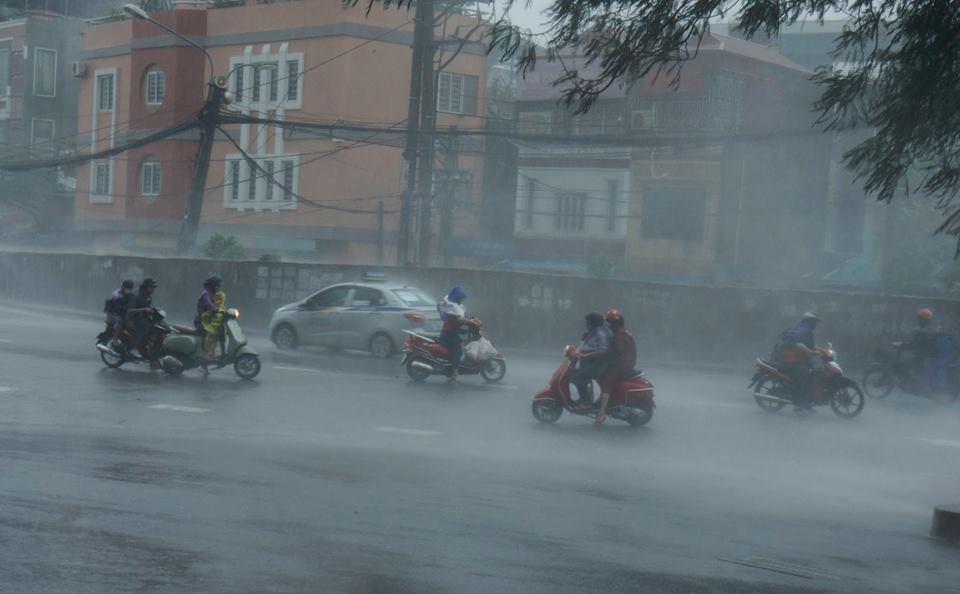 Dự báo thời tiết 3/8: Bắc Bộ lại hứng mưa lớn