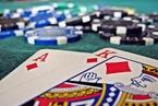 Cán bộ đánh bạc, tổ chức đánh bạc: phạt nặng nhiều tội