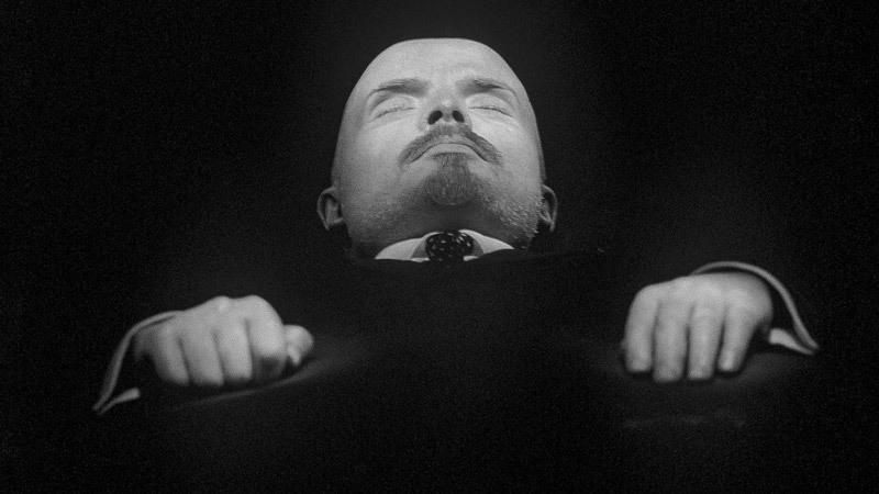 Cuộc sơ tán bí mật thi hài Lenin tới Siberia
