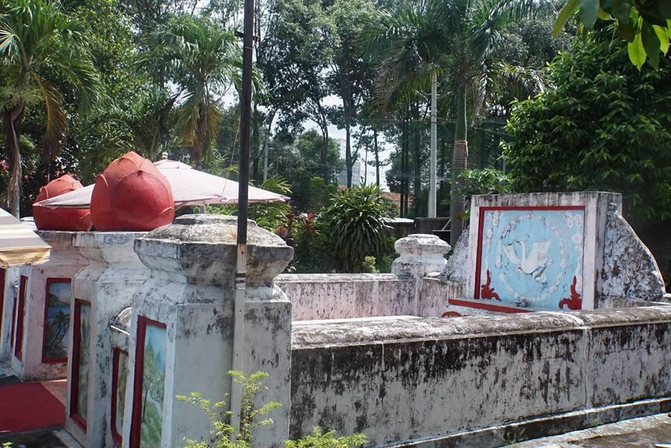Kỳ bí hai ngôi mộ gió của vị tướng tự thiêu xin tha chết cho lính