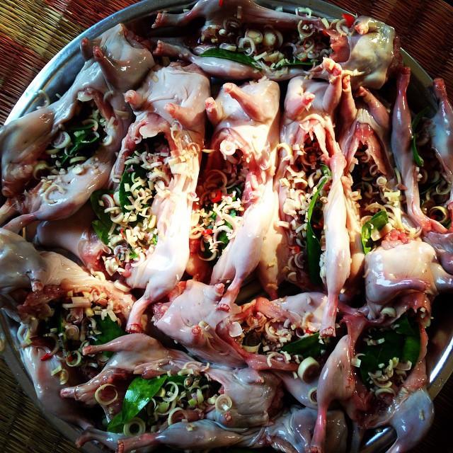 Những món ăn đặc sản của Việt Nam khiến khách Tây sợ hãi