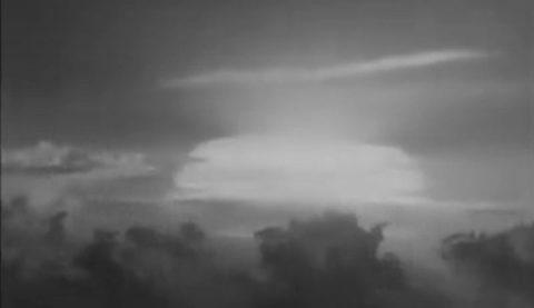 Hiroshima thành tro tàn vì bom nguyên tử Mỹ