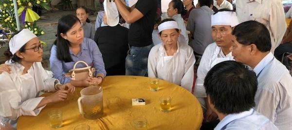 Nữ sinh viên mất cả ba lẫn mẹ trong tai nạn rước dâu ở Quảng Nam