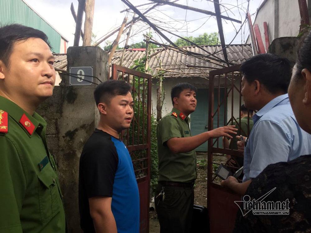 Gian lận thi cử ở Hòa Bình: Khám nhà Phó hiệu trưởng