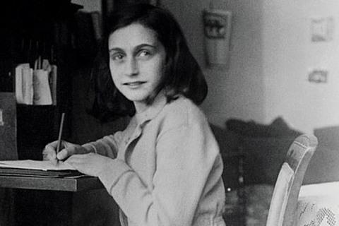 Anne Frank, cô gái Do Thái viết nhật ký chấn động về Đức quốc xã