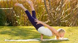 Từ vụ cô gái vỡ đốt sống lưng, bác sĩ cảnh báo tới tất cả người tập yoga