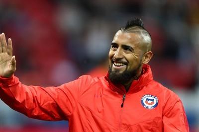 Vidal chính thức cập bến Barca giá 20 triệu euro