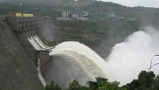 Thủy điện Hòa Bình, Sơn La, Tuyên Quang đồng loạt xả lũ