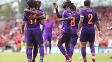 """Salah """"nổ súng"""", Liverpool đè bẹp Napoli 5-0"""