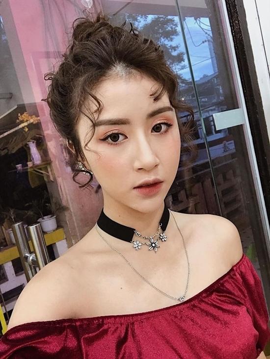 Hoàng Thùy Linh, Lệ Quyên, Chi Pu mê mẩn kiểu tóc 'râu gián'