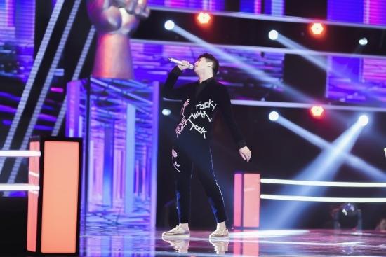 Thí sinh The Voice khiến khán giả sững sờ với 'Ngẫu hứng Lý qua cầu'