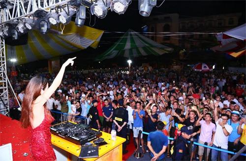 Lần đầu về Nam Định, ngày hội Bia Hà Nội hút khách