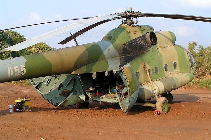 Ngắm mẫu trực thăng quân sự Mil Mi-8 nổi tiếng của Nga