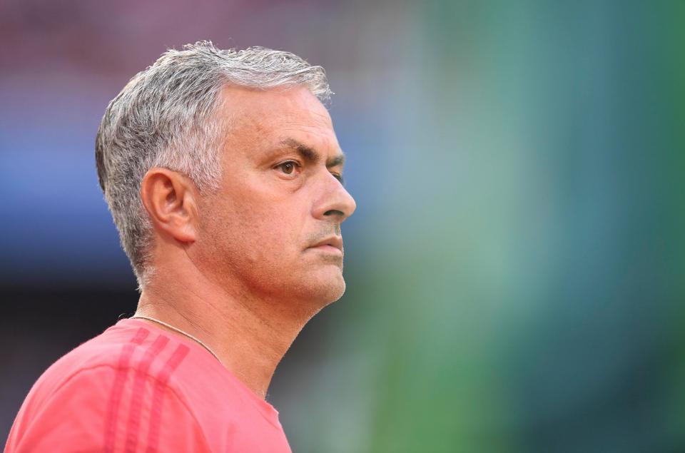 Mourinho lại than thở: 'Không mua sắm, MU sẽ rất khó khăn'