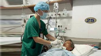 Bức thư bố bệnh nhi viết về người điều dưỡng gây bão facebook Bộ trưởng Y tế
