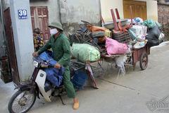 Sau lụt lịch sử: Gom 2 tạ đồ bán đồng nát được trăm ngàn đồng