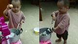 Đầu bếp nhí nấu ăn như đầu bếp chuyên nghiệp