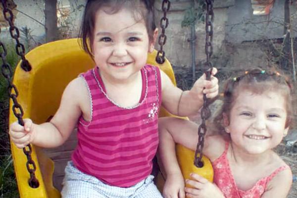 Tiết lộ bất ngờ về hai bé gái Nga thoát khỏi địa ngục IS