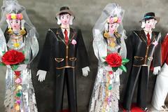 Bà chủ spa vung tiền tổ chức đám cưới cho 'người tình tiền kiếp'