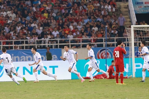 U23 Uzbekistan mở tỷ số vào lưới U23 Việt Nam