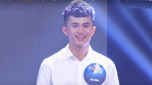 Tiến Đồng nổi bật trong phần thi cùng 4 thí sinh khác: