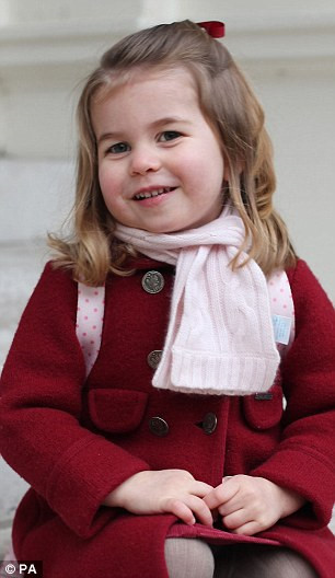 Bé gái nổi tiếng vì có vẻ ngoài giống công chúa Hoàng gia Anh
