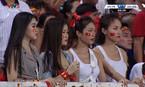 Dàn hot girl World Cup bị 'ném đá' khi cổ vũ đội Olympic Việt Nam