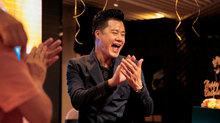 Con trai Quang Dũng hát mừng sinh nhật bố