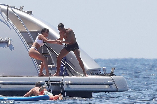 Ronaldo,Juventus,Georgina Rodriguez