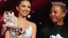 Hoa hậu Đặng Thu Thảo sắm xe đẩy trị giá 40 triệu đồng cho con gái đầu lòng