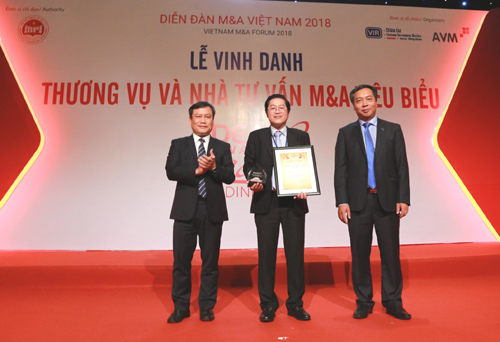 HDBank nhận giải chiến lược M&A tiêu biểu nhất thập kỷ