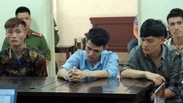 Hà Nội: 'Ngáo ngơ' hầu tòa sau khi gây vụ nổ súng kinh hoàng