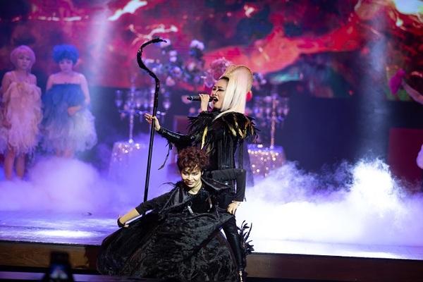 Khán giả thích thú xem 'Maleficent' phiên bản Việt