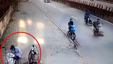 Táo tợn bẻ khóa trộm SH ngay sát đường đông người lưu thông