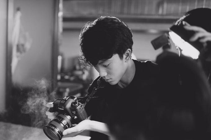 Con trai lớn Trương Nhất Nam đam mê quay phim, chụp hình, nuôi mộng nối nghiệp bố. Trần Đình kể, cậu lớn của gia đình luôn là người cầm máy ghi lại mọi khoảnh khắc đẹp của cả nhà.