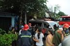 Sài Gòn mưa gió cực lớn, bảng quảng cáo sập đè chết người