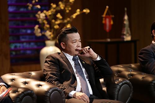 Shark Việt cùng Shark Linh đầu tư trang phục bảo hộ LĐ