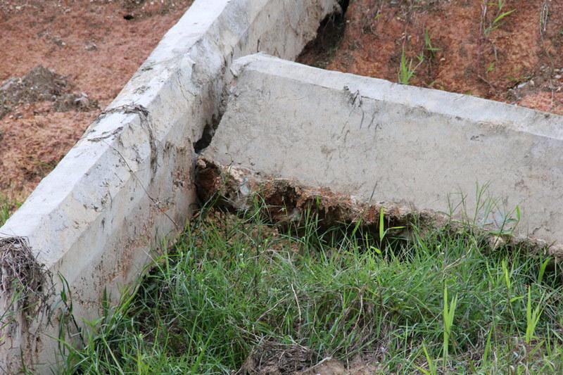 Nước ngầm đẩy gãy kênh bê tông ở dự án thuỷ lợi ngàn tỉ?