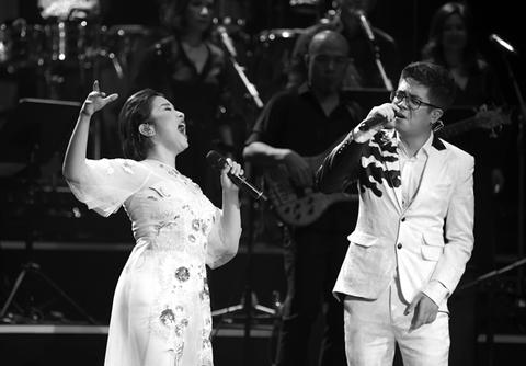 Mỹ Linh song ca với khách mời Bùi Anh Tuấn