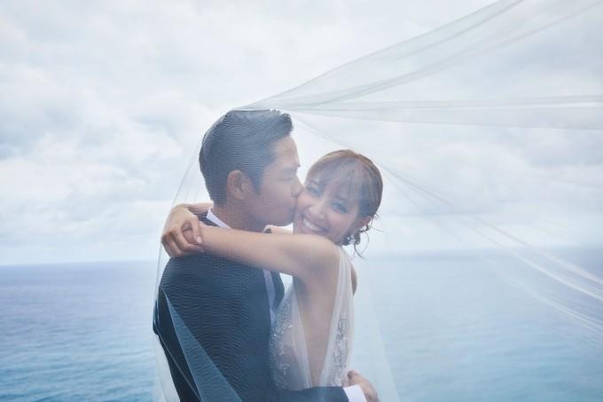 Ảnh cưới lãng mạn của Trịnh Gia Dĩnh và Hoa hậu Hồng Kông