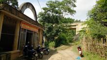 Trường dưới gầm cầu, tính mạng của trẻ mầm non bị đe dọa