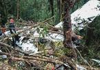 Rơi máy bay ở Indonesia, duy nhất cậu bé 12 tuổi sống sót