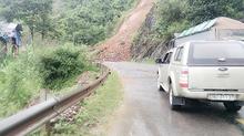 Sạt lở đất lấp quốc lộ ở Sơn La, vùi 2 người tử vong ở Lào Cai