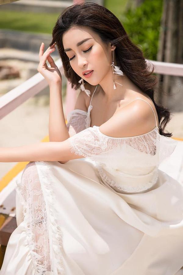 Hà Hồ kiêu sa, Phạm Hương nặng nề vì lỗi trang phục