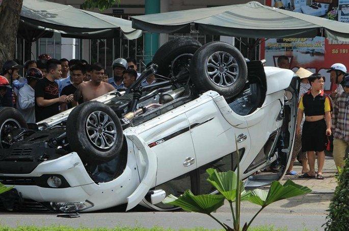 Toyota Fortuner,Lê văn Tạch