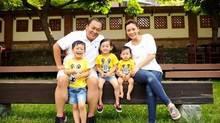 Chồng ngoại tình rồi đòi ly hôn, nữ diễn viên 39 tuổi nuôi ba con