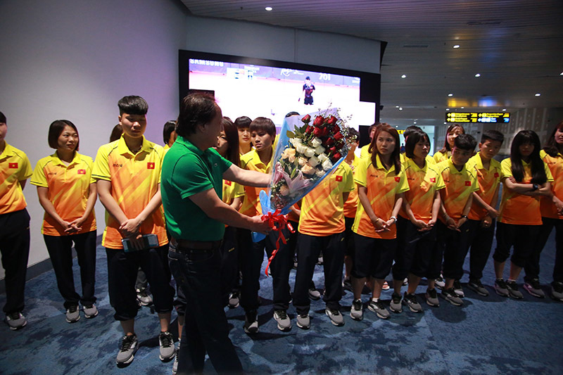 HLV Mai Đức Chung: 'Tuyển nữ Việt Nam dưới cơ Nhật Bản và Thái Lan'