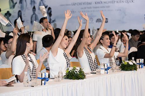 12 Hoa hậu, Á hậu tỏa sáng với 'Hành trình từ trái tim'