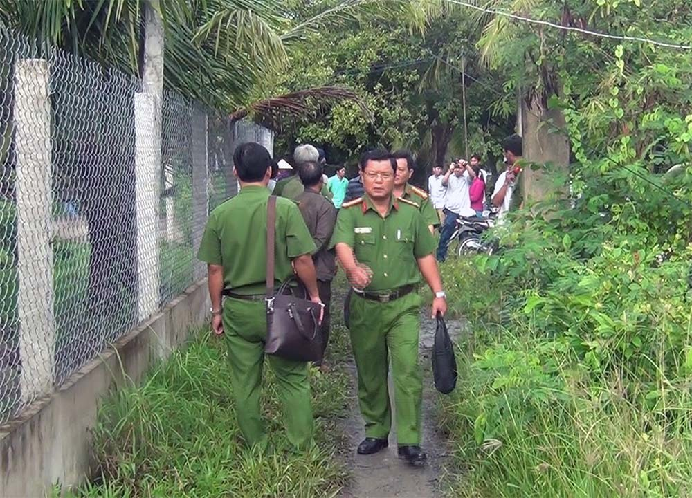 Thảm án giết 3 người ở Tiền Giang: Bắt nghi phạm ở tiệm sửa xe